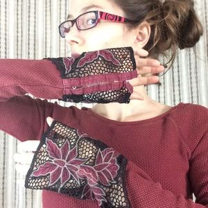 Free People Tops - Free People Maroon Thermal Lace Wrist Sleeves